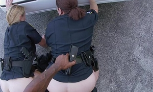 Cops fuck starless guy in Miami streets
