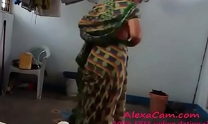 YouPorn - desi-with-hairy-armpit-wears-saree-after-bath 2