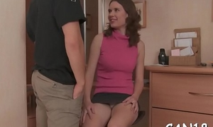 Lovely beauty gives wonderful orall-service by way be proper of hardcore sex